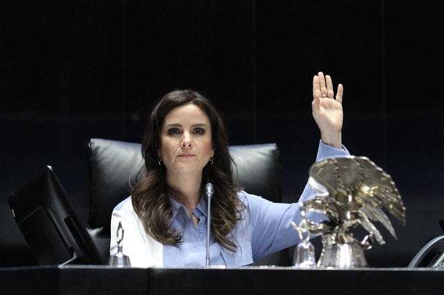 Exigen a Barbosa en Senado cesar acoso contra Nancy de la Sierra