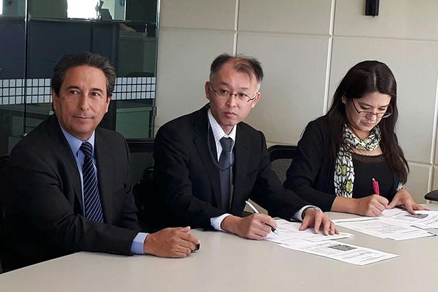 Firma convenio SEP Puebla y embajada de Japón