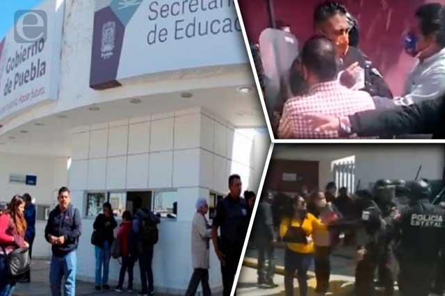 Liberan a maestros detenidos durante protesta en la SEP