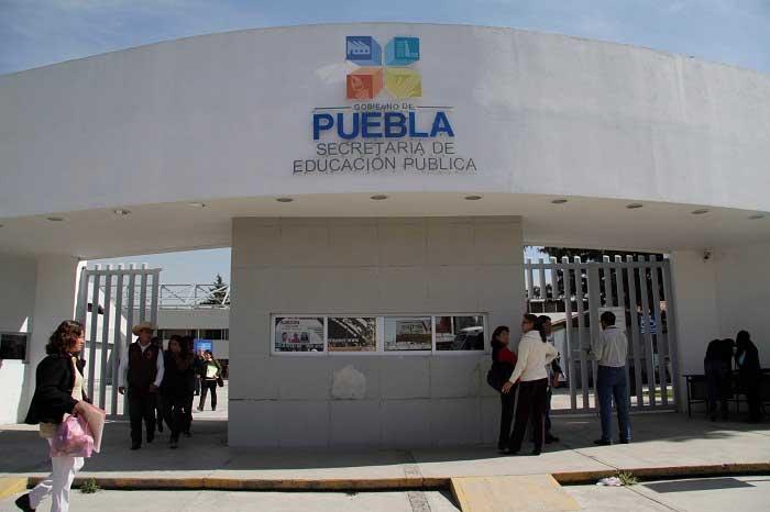 SEP guarda silencio ante abusos en primaria Fundadores de Puebla