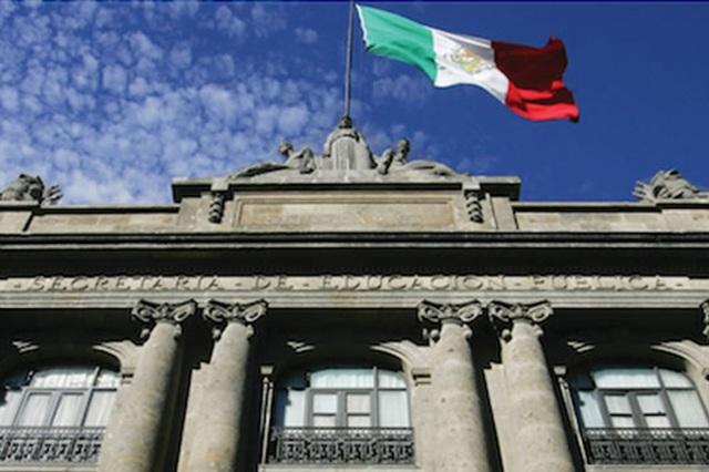 Mudanza de SEP a Puebla no descentraliza educación: experto