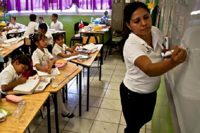 SEP anuncia aumento de salario a docentes