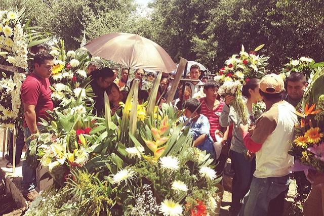 Sepultan al consejero del IEE linchado en Tlacotepec
