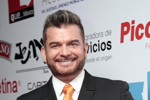 Actor con VIH contó a Tv Notas que tuvo relación con Sergio Basáñez