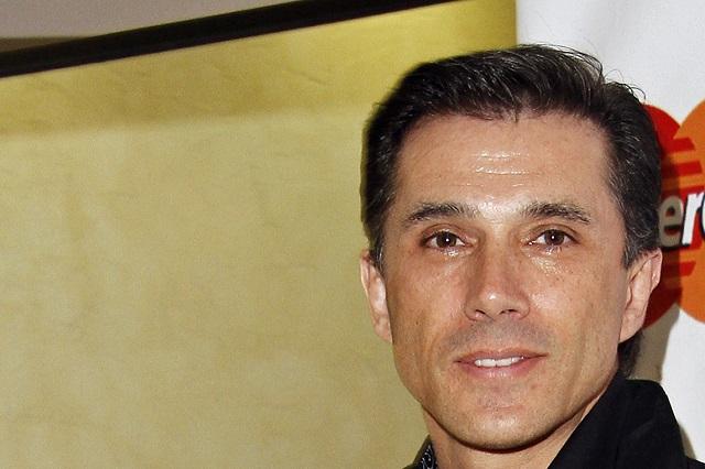 Sergio Mayer dice sentirse orgulloso de lo que hizo por Bárbara Mori