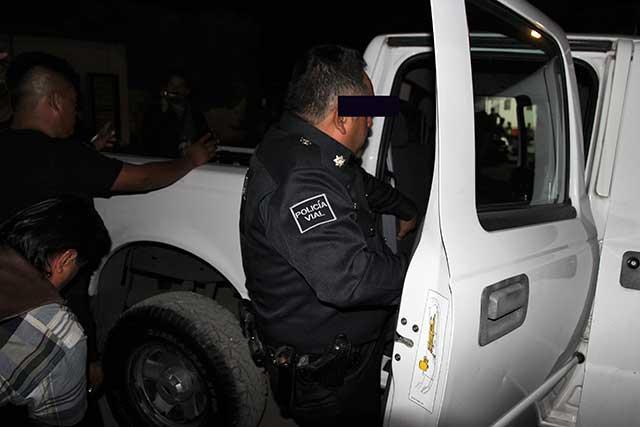 Caen 3 agentes viales e inspector por extorsionar a transportista