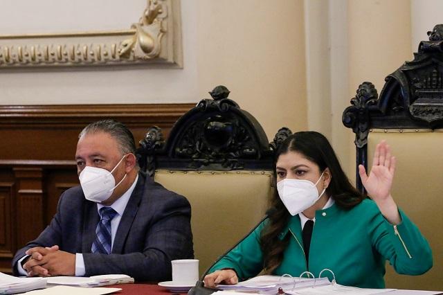 Con votos de PAN y PRI, Claudia Rivera logra aprobar Ley de Ingresos