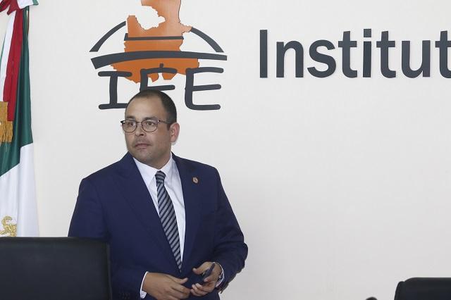 Renuncia Jacinto Herrera al Instituto Electoral del Estado