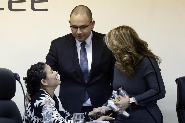 PRI, PRD y Ana Teresa van de nuevo contra consejeros IEE