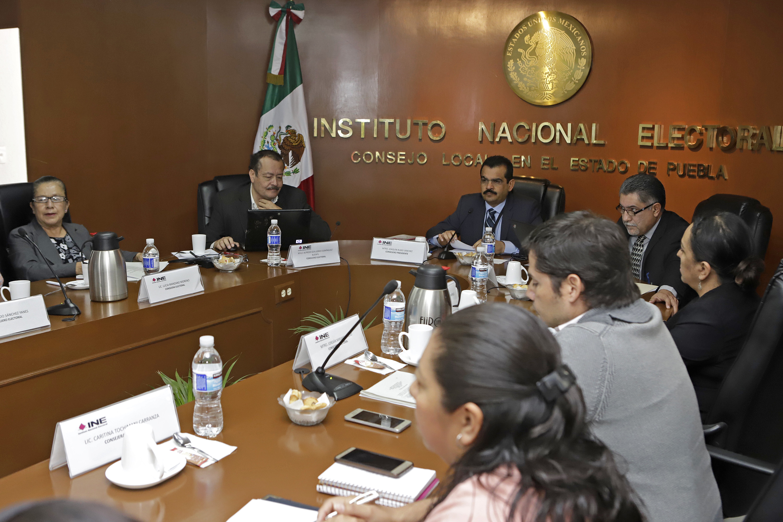 Recortan 50% sueldo a consejeros del INE en Puebla y arman juicios