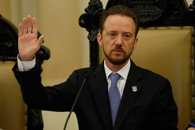 No es tiempo aún de definiciones políticas, dice alcalde Luis Banck