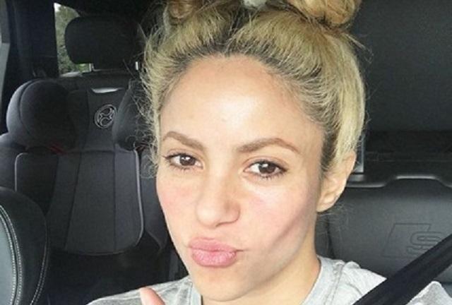 Shakira podría quedarse calva y dicen busca ocultarlo con tratamiento