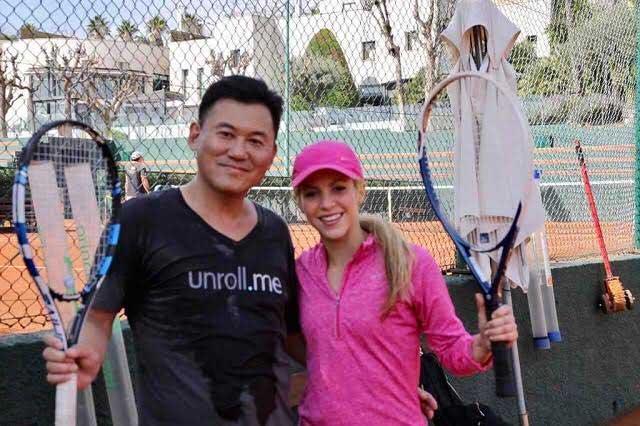 ¿Quién es Hiroshi Mikitani y qué hace jugando tenis con Shakira?