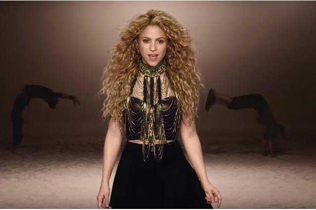 Shakira presume disfraz de maga y hace oídos sordos a infidelidad