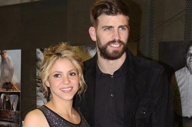 Piqué agrede a reportera por grabarlo junto a Shakira y sus hijos