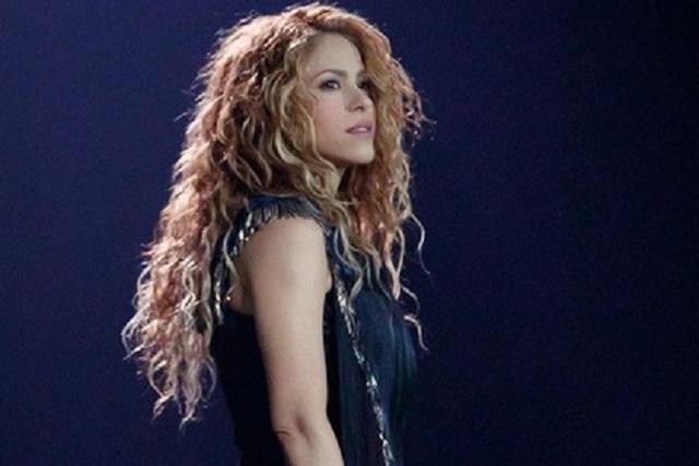 Shakira presenta el primer capítulo de su serie de tv