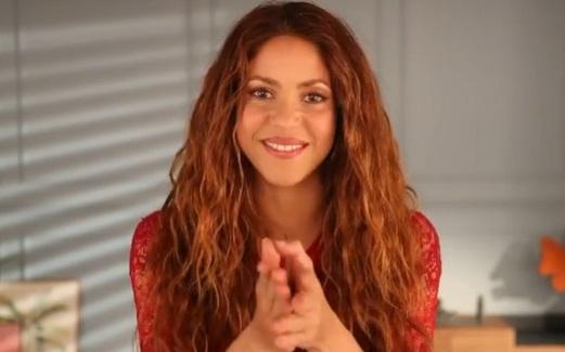 Shakira aparece con Corina para ayudar a niños con cáncer