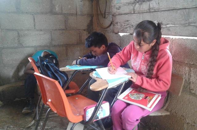 En condiciones precarias iniciarán clases en la Sierra Negra