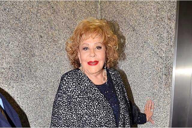 Silvia Pinal apoya protagónico de Itatí Cantoral en la serie sobre su vida