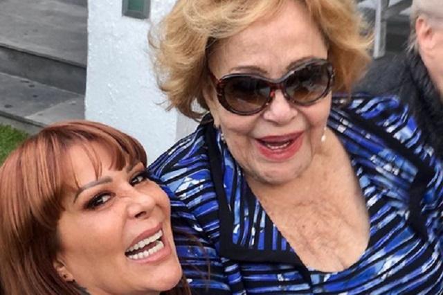 Llevan a Silvia Pinal de emergencia al hospital tras sufrir accidente