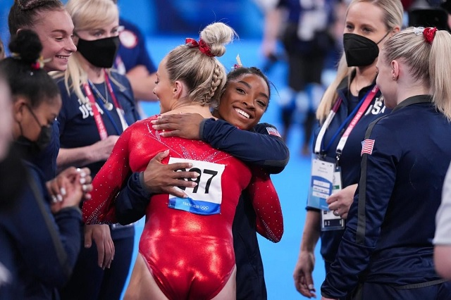 Simone Biles regresará a Tokio 2020 en barra de equilibrio