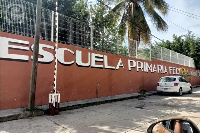 Cierran escuelas de Acatlán por casos de covid-19
