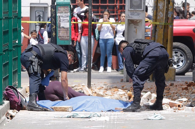 Confirman tres muertos por sismo en la Ciudad de Puebla