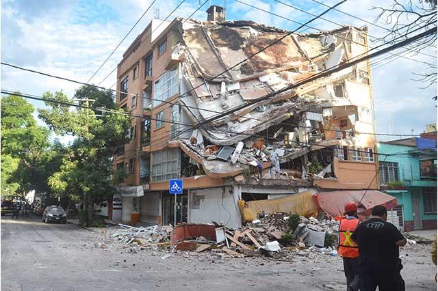Suman ya 361 muertos; 220, en Ciudad de México