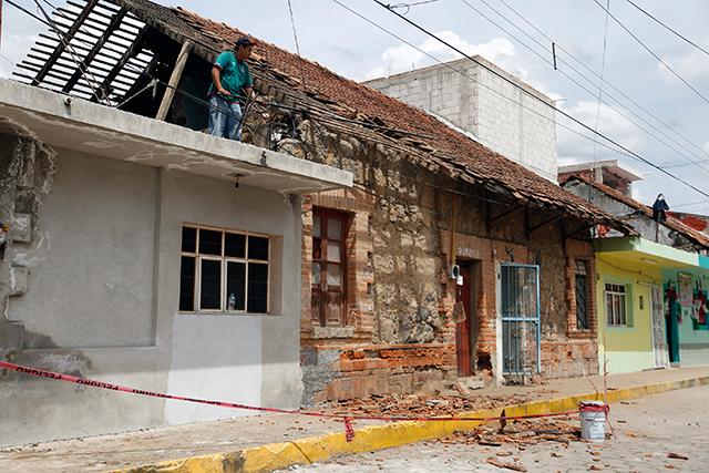 Avanza reconstrucción en casas y escuelas en Puebla tras 19s