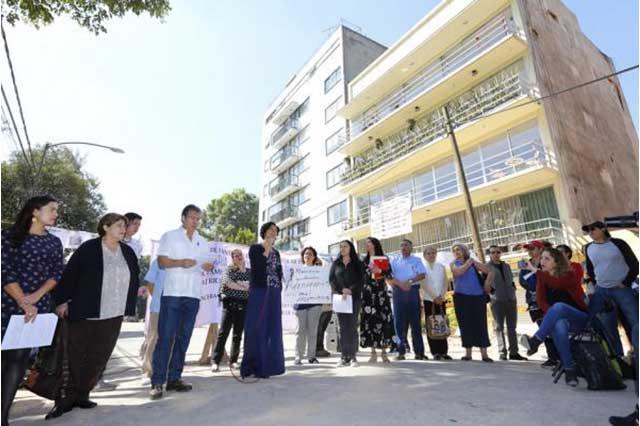 Damnificados de la CDMX denuncian burocracia y dictámenes contradictorios