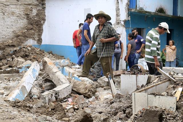 Vigilan vecinos de 90 municipios la reconstrucción tras sismo
