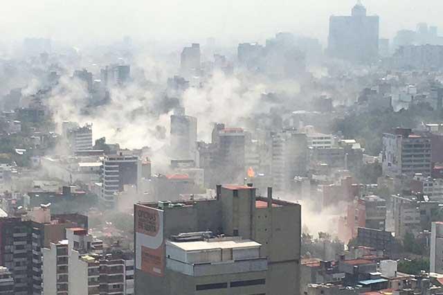 Aumenta a 251 la cifra de personas muertas por el sismo de 7.1