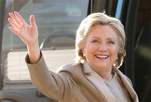 Hillary Clinton: Deben escoger entre un liderazgo o una bala perdida