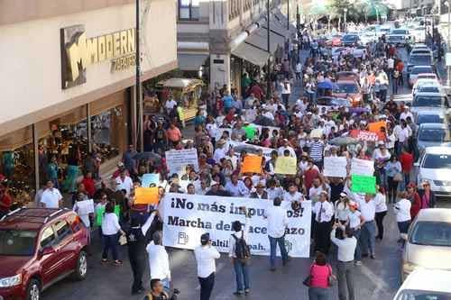 También bloquean gasolineras en la Ciudad de México