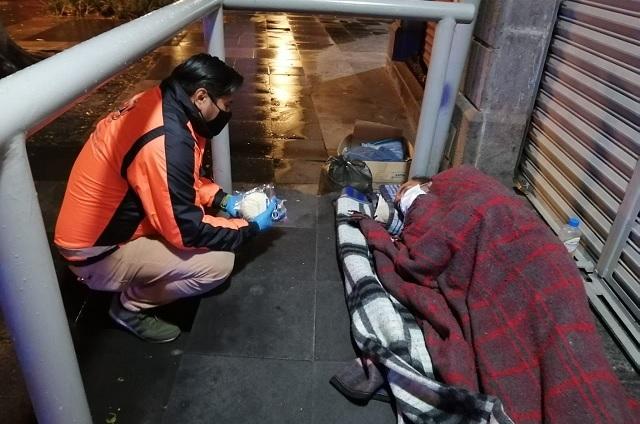 Gobierno de Puebla capital auxilia a personas en situación de calle