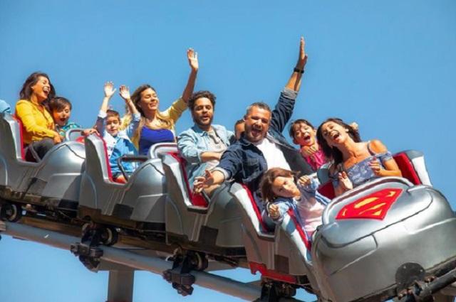 Six Flags pide no gritar en juegos como medida anticovid