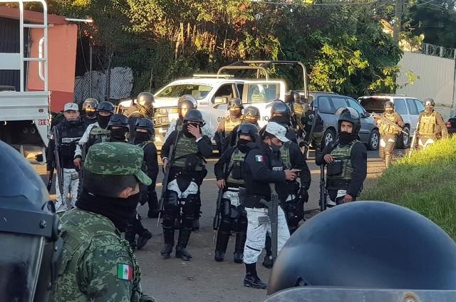 Guardia Nacional expulsa al SME en Huauchinango y detiene a 6