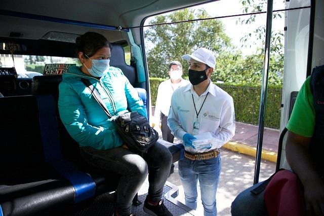 Entrega SMT 10 mil cubrebocas a usuarios del transporte público