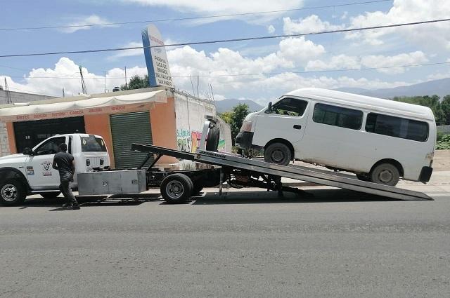 Aseguran en Puebla 14 unidades de transporte irregulares