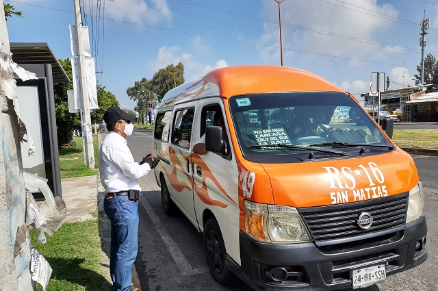 Por sobrecupo, multan a 268 unidades de transporte público
