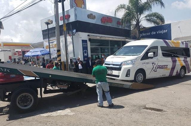 Detienen dos unidades de la Ruta Xpress Van por circular de manera irregular