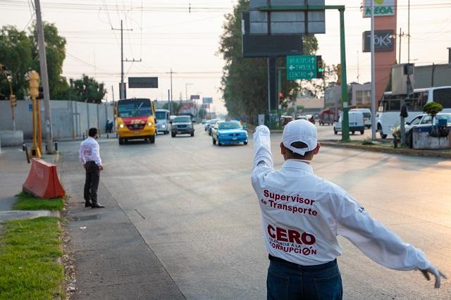 Detienen 1,405 unidades irregulares de transporte en Puebla