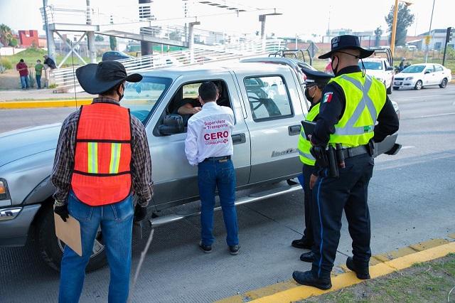 Se van 111 vehículos al corralón por violar el Hoy no Circula en Puebla