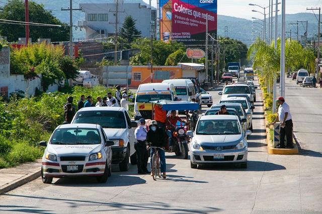 En operativos en la Mixteca SMT detiene 14 unidades irregulares