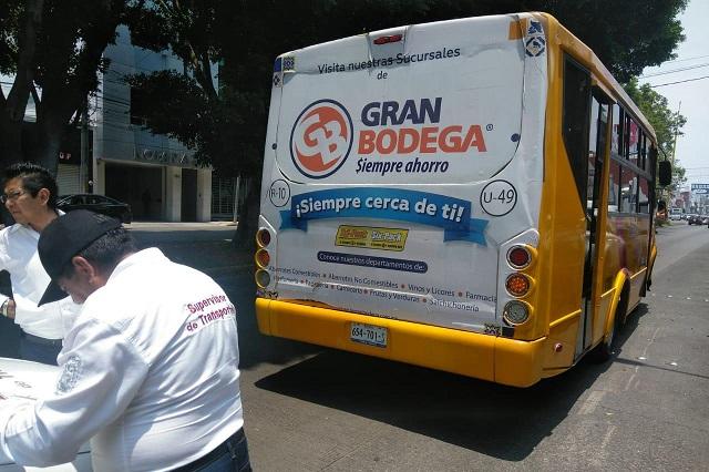 Por rebasar capacidad de pasajeros, multan a 6 unidades del transporte en Puebla