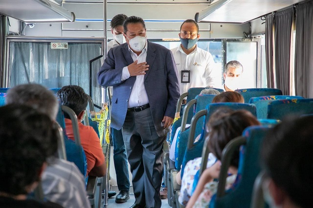 Aumentan transporte para personal de hospitales Covid