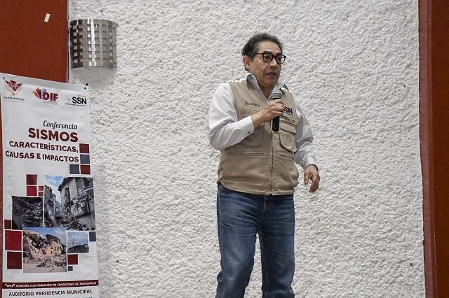 Sismológico Nacional da conferencia en Cuautlancingo