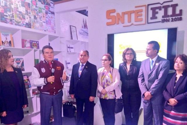 SNTE acepta participar en la consulta sobre educación de AMLO