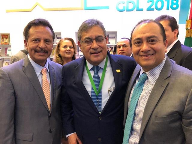 Líderes del SNTE cercanos a Elba desconocen a Cepeda y se reúnen con AMLO