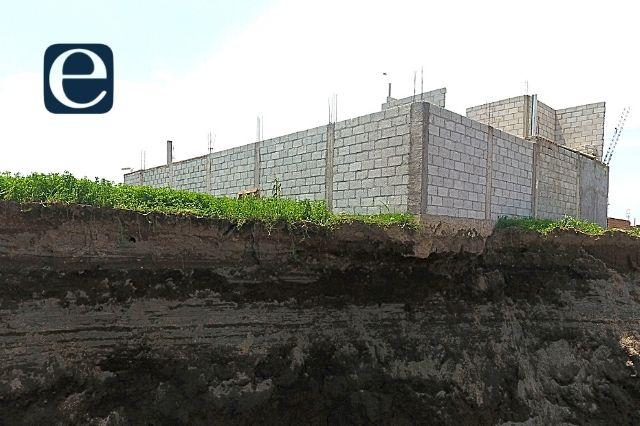 Socavón comienza derrumbe de vivienda en Juan C. Bonilla